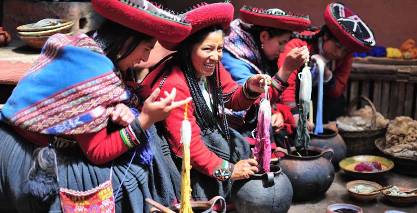 Chinchero Demostración Textiles